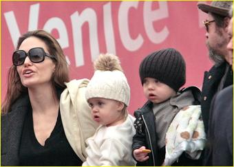 Brad Pitt & Angelina Jolie with son Knox & daughter Shiloh