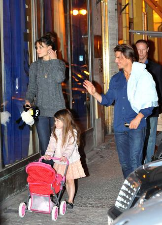 Tom, Katie & Suri in Prague