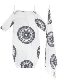 Airie™ Compass Gown + Baby Blanket