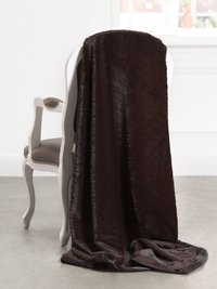Luxe™ Embossed Giraffe Throw