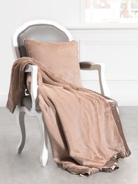 Luxe™ Throw