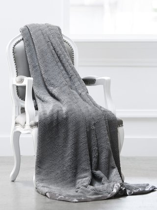 Luxe™ Twist Throw
