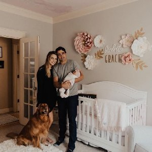 Home just got a lot sweeter! Nursery LOVE via @jennaelysee