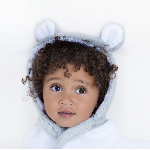 Scoop your little one out of the tub with our Luxe hooded towel. Super plush terry and adorable faux fur ears make bath and lounge time way more fun!