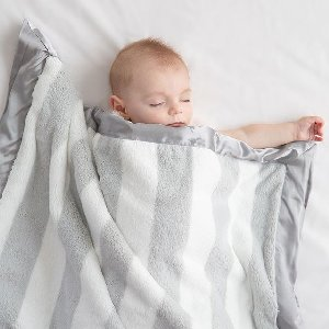 With classic stripes and cuddly softness, our NEW Luxe Hamptons Stripe Baby Blanket will never go out of style. Tap to shop in silver + dusty pink