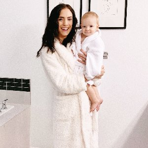 """""""I received this Little Giraffe robe for Christmas and I literally wear it every single day. It is so cozy! I wear it around the house & to get ready in. I love this brand - their blankets are the best, so I knew their robes would be too! If you don't have a cozy robe yet... ya'll are missing out."""" - @mckennaherzog  Ft. our Stretch Chenille Robe."""