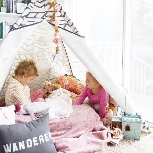 When in doubt, build a fort.  We LOVE this idea by @sandcastleblog to keep the kiddos entertained while staying in. What are some activities you're doing with family at home?